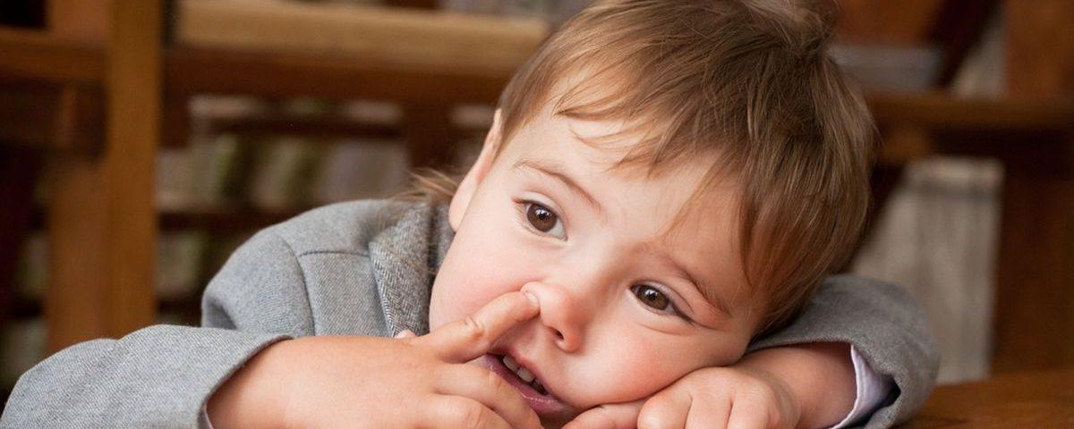 Что делать, если ребенку попало инородное тело в нос, гортань?