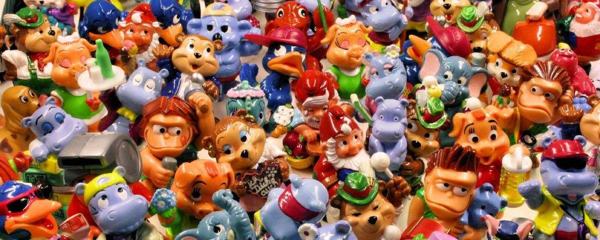Опасны ли игрушки, прилагаемые к детским журналам?