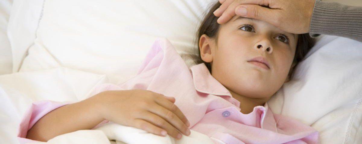 Субфебрильная температура у ребенка. Причины и что делать